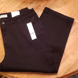 NWT ColdwaterCreek Natural fit black cropped jeans